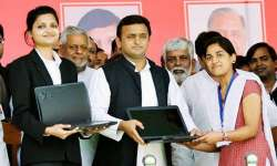 Akhilesh's free laptop scheme under scanner of Yogi govt - India Tv
