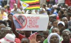 Zimbabwean President Robert Mugabe resigns for 'smooth
