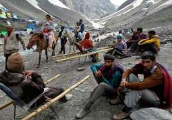 The Amarnath Yatra remained suspended for the second day