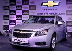 chevrolet launches updated cruze saloon