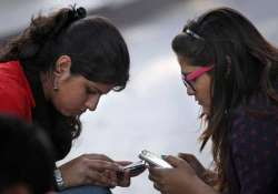 bsnl slashes roaming tariff by up to 40