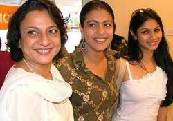 kajol to share screen with mum tanuja after 18 years