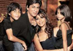 shah rukh khan s surrogate baby due in july
