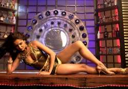 nathalia kaur s steamy number in department