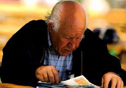 reading writing keep ageing brains healthy