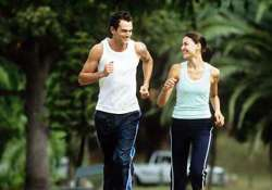 walking 6 000 steps protects woman from heart risk