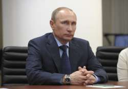 vladimir putin says russia to stay out of geopolitical