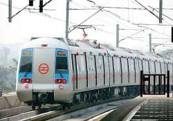 hundreds of delhi metro commuters stuck inside tunnel due