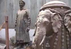 ec orders draping of all statues of mayawati and elephants