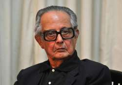 rk laxman s condition still critical hospital