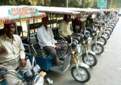 lack of policy causing harassment to e rickshaws operators