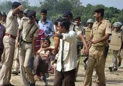 patna serial blasts two suspects held toll climbs to six