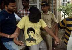 shakti mill gangrape court allows police to handcuff accused