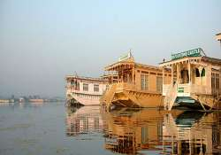 twin dockyards formed for dal lake houseboats