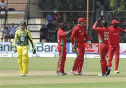 australia battles to 209 9 vs zimbabwe
