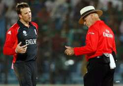 swann fined for dissent in england s loss