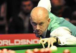 defending champion ebdon higgins ousted from snooker china