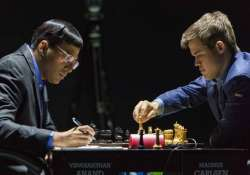 world chess championship anand draws with carlsen stays a