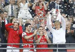 arsenal ends 9 year title drought with fa cup win