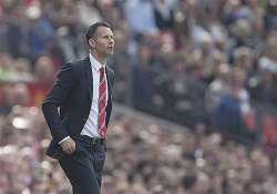 epl sunderland beats man united 1 0 giggs 1st loss after
