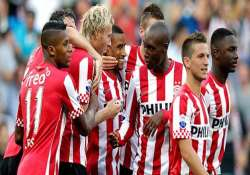 psv maintain lead in dutch lead