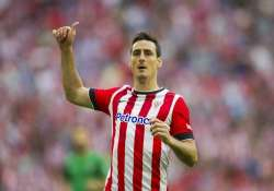aduriz s late goal gives bilbao 1 1 draw with valencia
