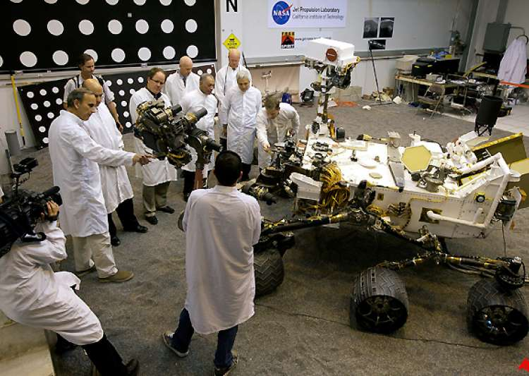 scientists see red on nasa cuts of mars missions- India Tv