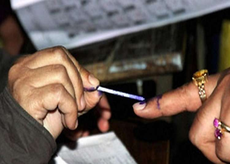 over 35 lakh first time voters for may 5 poll in karnataka- India Tv