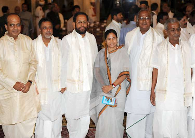 top trinamool leaders skip pm s dinner- India Tv