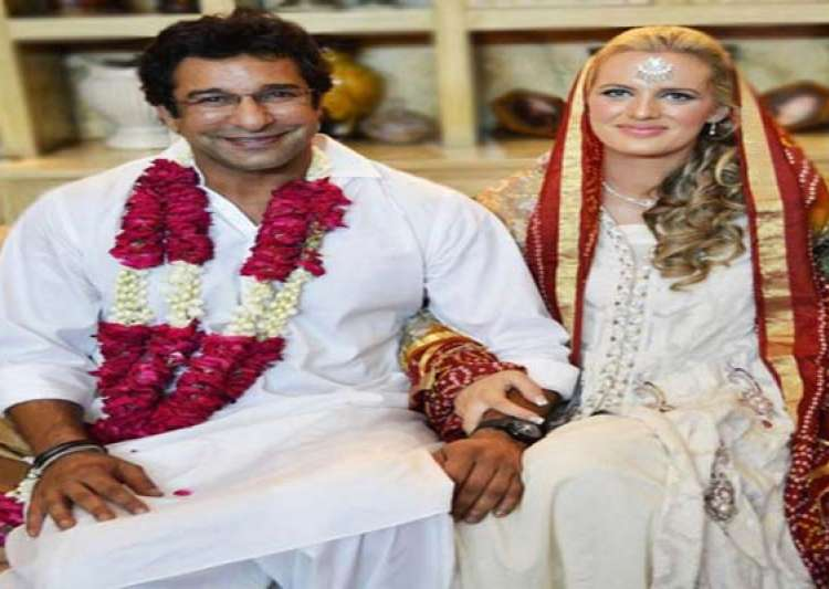 exclusive pic of wasim akram s wedding with australian shaniera thompson in lahore- India Tv