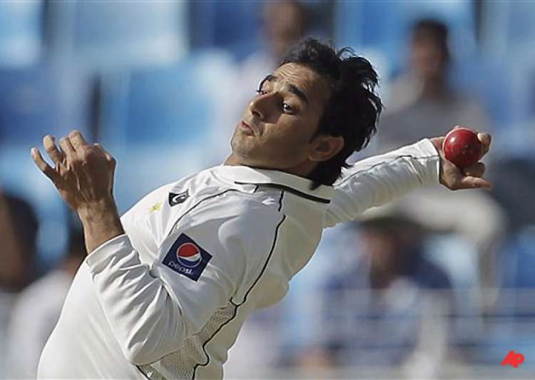 veteran spinners divided on legality of ajmal s bowling action- India Tv