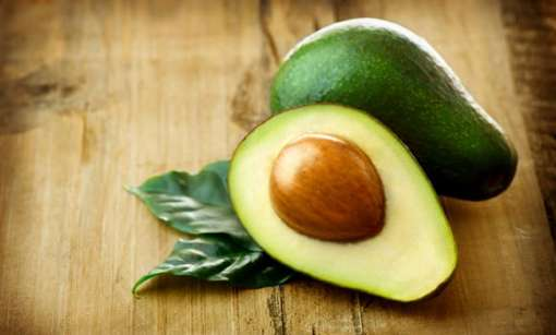 * Avocado: It is a fruit that is rich in proteins and Omega-9 fatty acids which are building blocks of healthy complexion and help the skin fight winter dryness from inside. It helps in retaining a soft and glowing skin. Vitamin E in avocodo prevents wrinkling while the fruit oil can be used as a natural moisturiser.