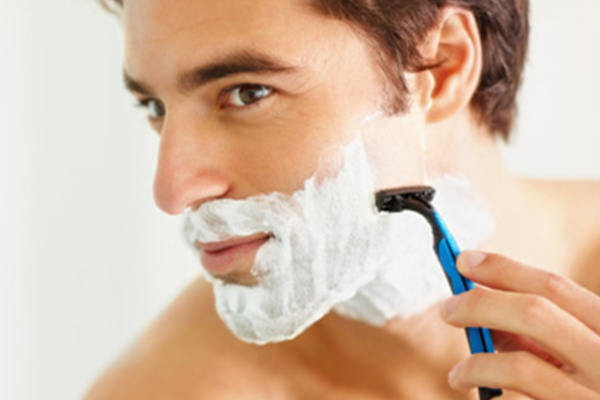Choose a razor that fits your skin type. Most men shave at least every other day. Therefore, it is important to use a razor that is gentle on your skin. You can also use the machine instead of a razor if it suits your skin better. With IANS Inputs