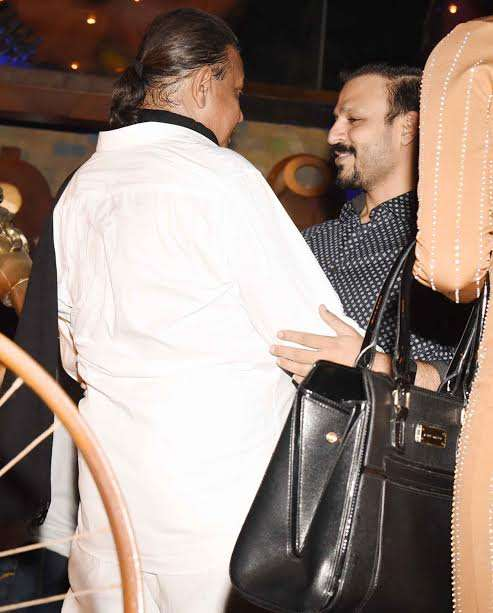 Mithun Chakraborty spotted sharing some good moments with Vivek Oberoi. The actors were all smiles as they hug each other. It is quite evident from the picture that both the stars share good equation.