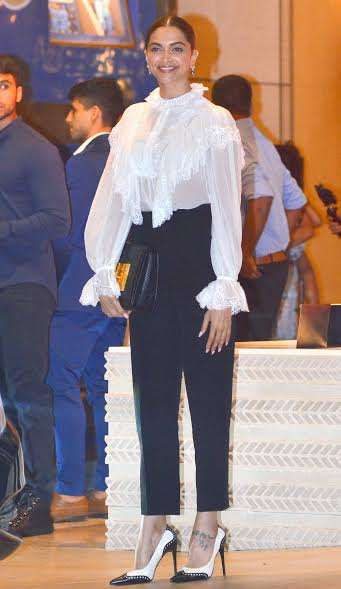 Deepika Padukone made a stylish entry at the event. The Mastani went with the basics and those high heels completed her look.