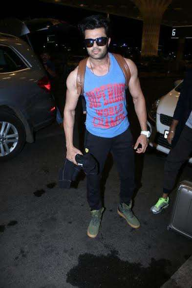 Manish Paul chose a colourful tee and paired it with rugged shoes. The TV actor and host charmed us with his macho persona