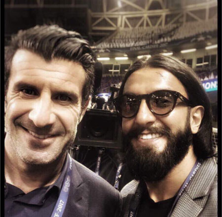 Ranveer's selfie moment with Luis Figo, a retired Portuguese footballer and a midfielder for Sporting CP, Barcelona, Real Madrid and Internazionale