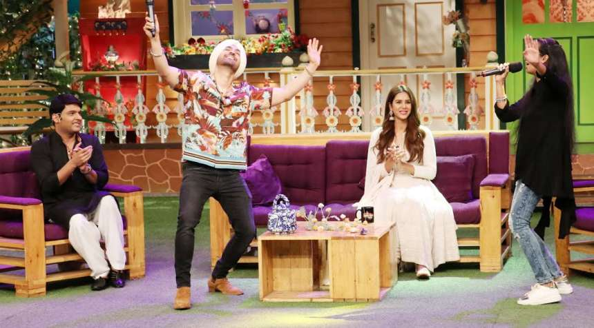 Diljit fulfilling the wishes of his fans on the show. He was seen singing and enjoying with one of his fans