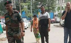 Army Major Amit Diwedi reaches Delhi Police station with