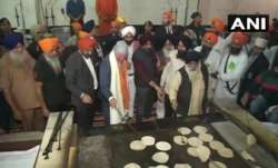 Prince Charles visits Bangla Sahib gurdwara, tries flipping