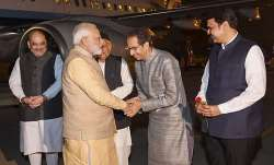 pm modi uddhav thackeray, pm modi meets uddhav thackeray, pune, pm modi uddhav thackeray meeting,