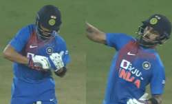 virat kohli, kesrick williams, virat kohli checkbook ticking celebration, virat kohli celebration, k