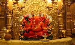 Siddhivinayak Temple, gold, devotee, Mumbai, Maharashtra