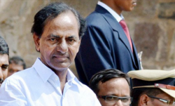 Telangana CM K Chandrasekhar Rao back home from hospital