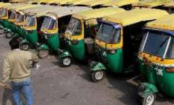 Auto driver's quick-thinking helps woman deliver baby inside vehicle in Kota city