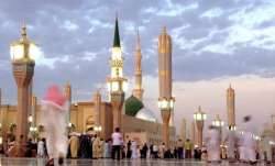 Saudi Arabia temporarily suspends entry to country for Umrah pilgrimage over coronavirus fears
