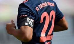 Bayern Munich players wearing #BlackLivesMatter armbands