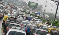 Mumbai: Traffic diversion on Peddar Road due to landslide