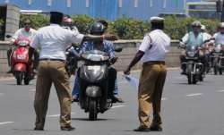 Woman, traffic police, Mumbai