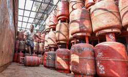 Free LPG Connection: Govt to disburse 10 mn LPG connections